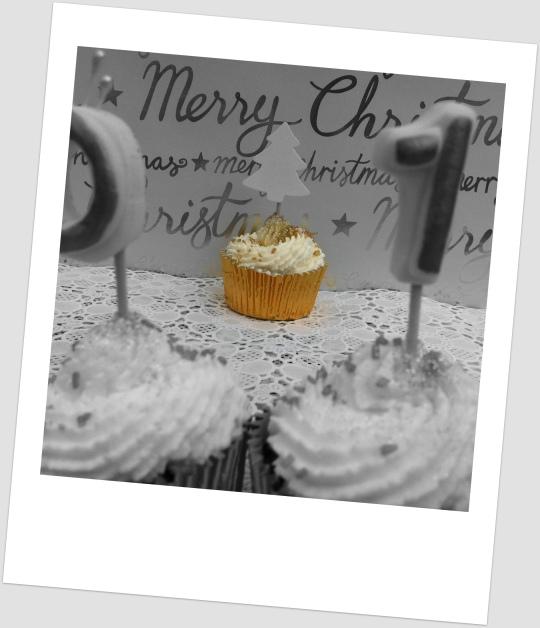 Cupcakes Nutella con nata y avellanas