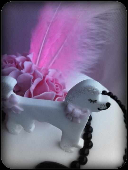 Tarta fondant rosa y blanca