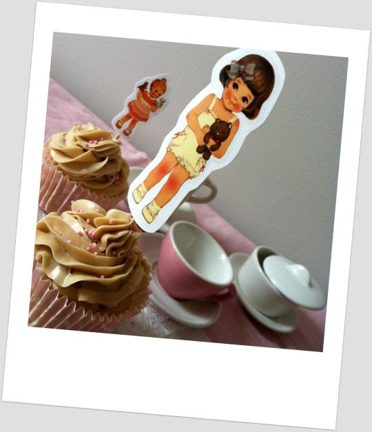 Cupcakes de nata con avellana