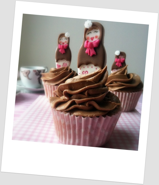 Cupcakes de mandarina y Nutella con muñecas rusas