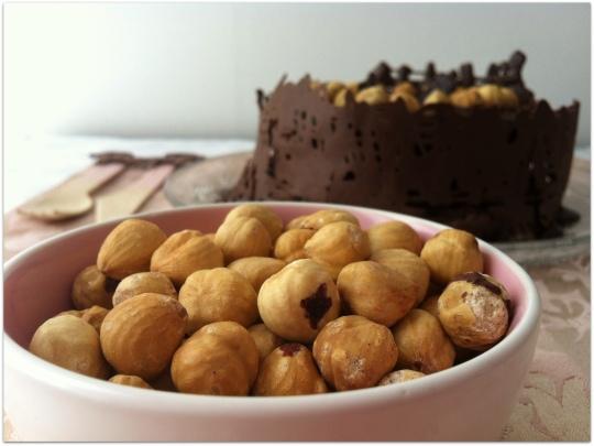 Tarta de chocolate con avellanas, nocilla o nutella