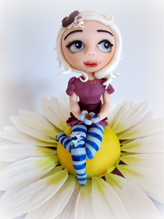 Tarta fondant muñeca margarita