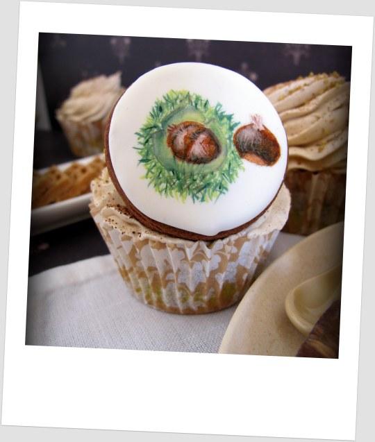 Cupcake con galletas pintadas con castañas