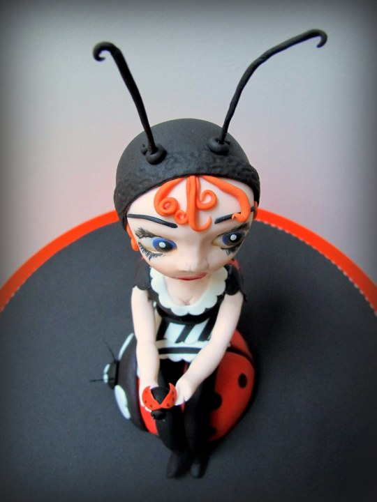 Muñeca mariquita de fondant