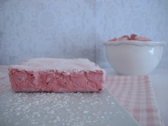 Marshmallow strawberry made home