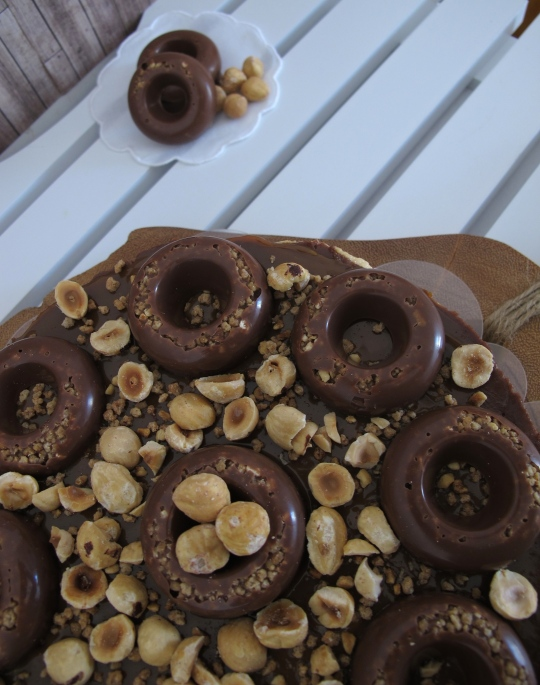 Tarta queaso-dulce de leche y chocolate con avellanas