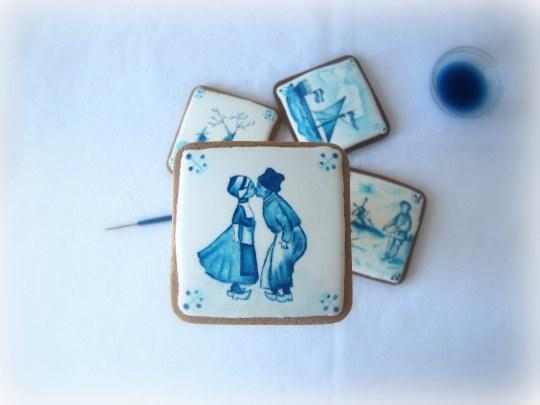 Azulejos comestibles holandeses en galleta pintados a mano