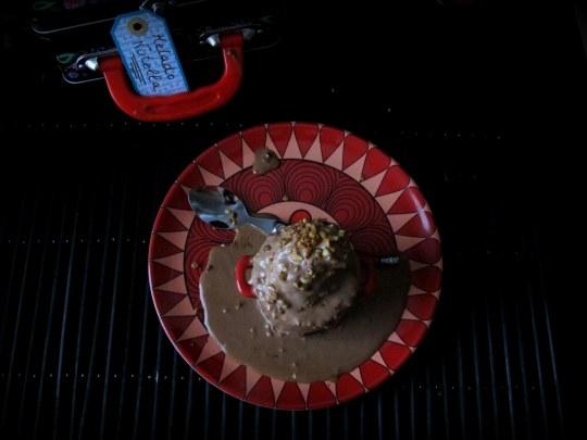 Helado casero de Nutella o nocilla con avellanas