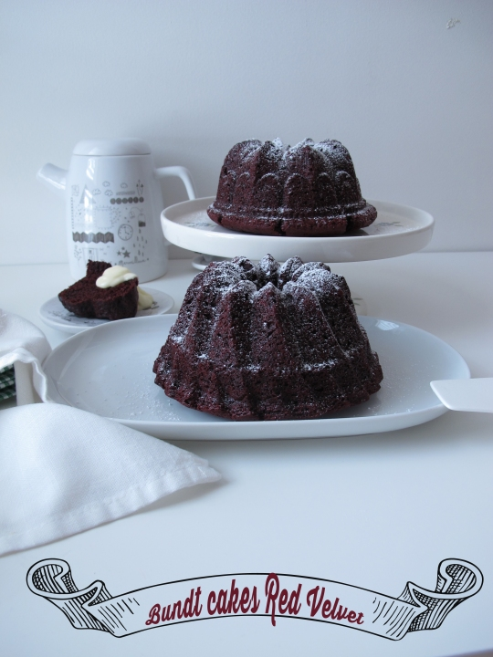 Bundt Cake Red Velvet con crema de queso